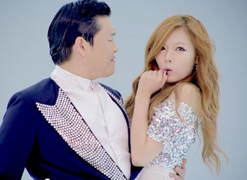 Hyuna-Gangnam-Style