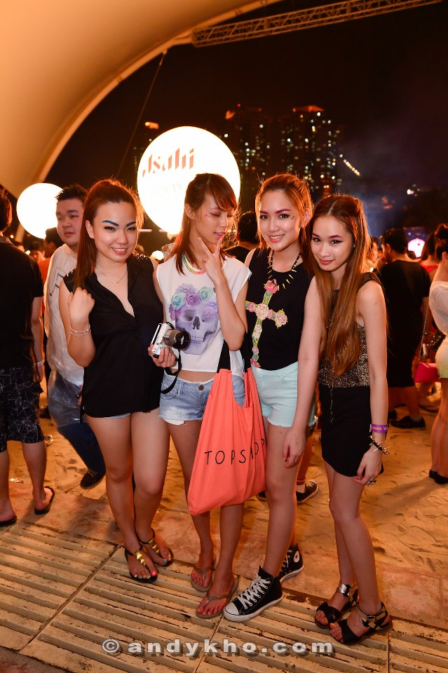 MHB's Natalie and Nana with blogger Chuckei and friend