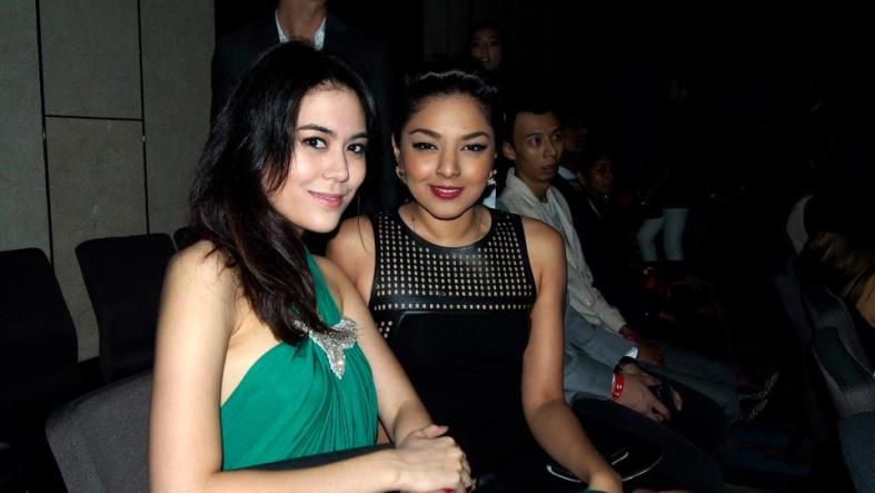 I was seated next to Chloe Chen - Miss World Malaysia 2011 and Nadine Ann Thomas - Miss Universe Malaysia 2010