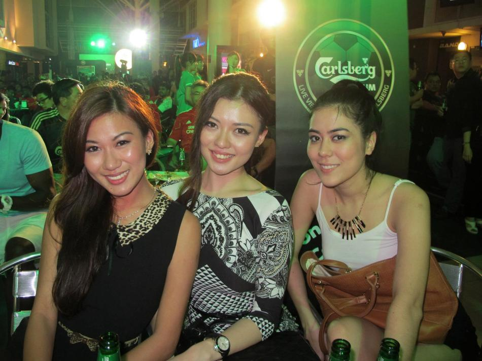 Bevy of Miss Malaysias - Lee Yvonne, Carey Ng and Chloe Chen