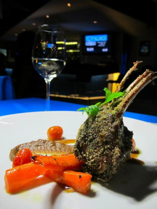 Rack of LambA succulent cut of New Zealand Air Flown rack of Lamb crusted with herb crumb, confit potatoes fondue and carrot, caramelized onion served with thyme red wine jus. A lot of meats are overcooked in Malaysia but the chef got this one spot on! Nice and pink and tender inside while the outside was crusty and flavourful!