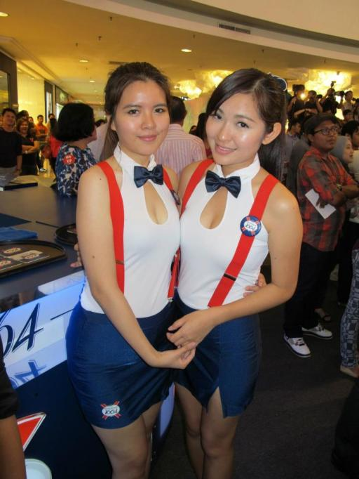 First stop the bar to get some ice-cold Kronenbourg 1664 from these two cute promoter girls!