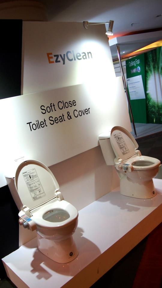 Toilet seats cum bidet