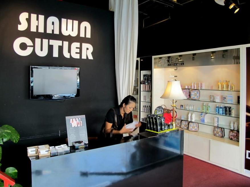 The Jalan Telawi 2 outlet is located along the same row as Antipodean and La Bodega