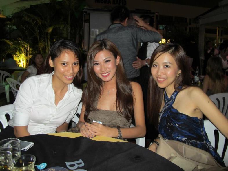 Conne Lim Jen Yng Lee Yvonne