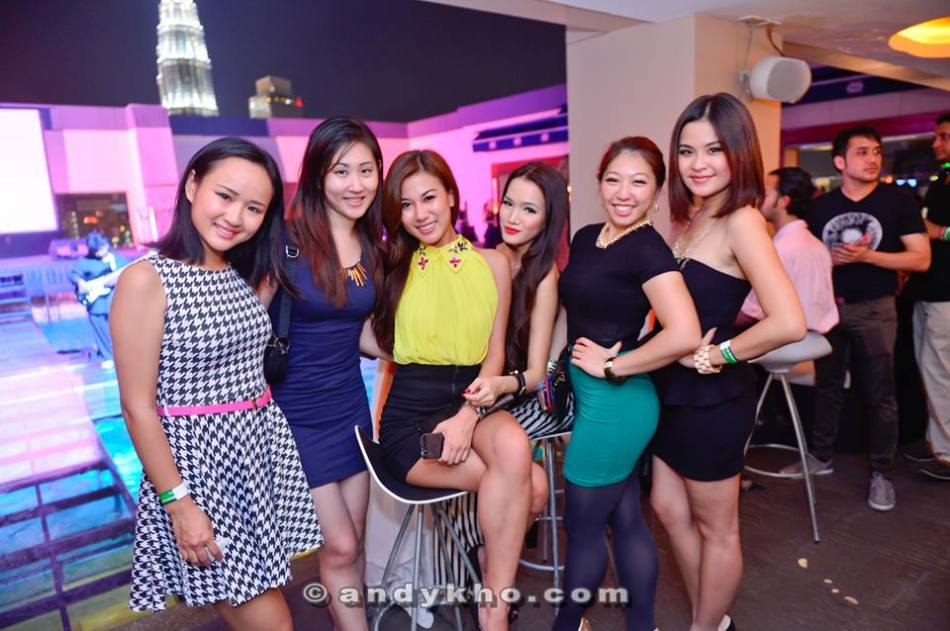 MHB's Miss World Malaysia 2012 Lee Yvonne, Stephanie Lim, and Mynn Lee with our friends Linora Low, Rachel Tan and Leona.