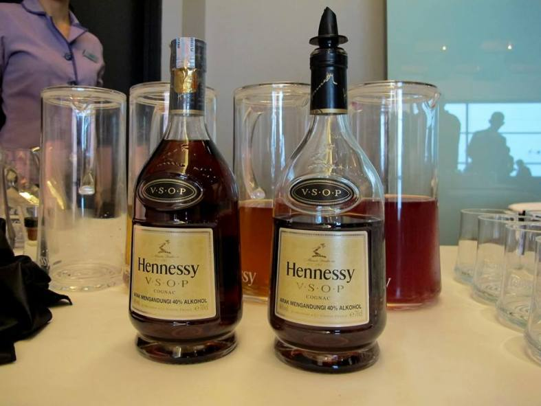 Woo hoo! Hennessy V.S.O.P at 10.30am in the morning! Decided to add it to my coffee making it French coffee!