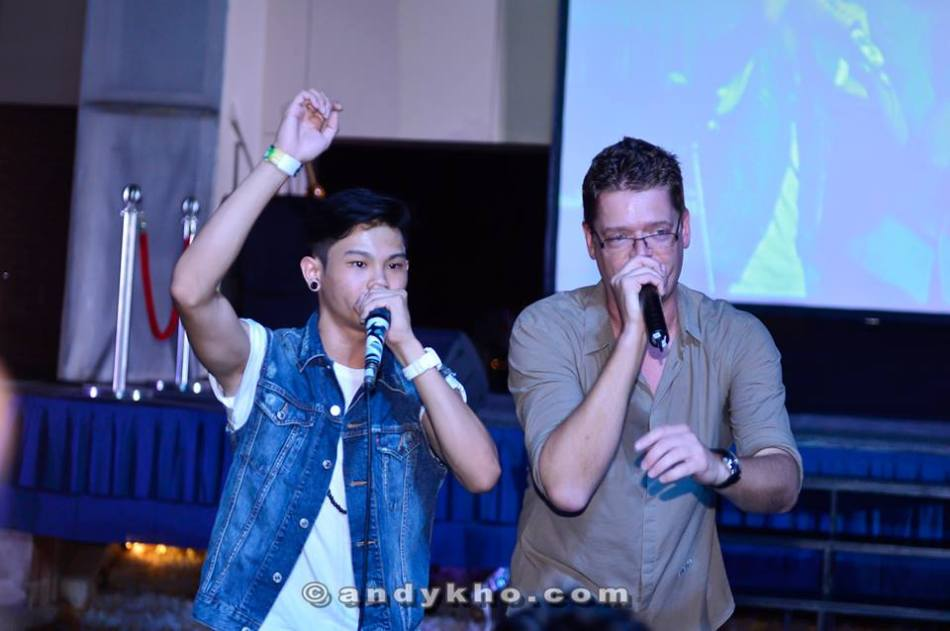 Soren rapping one last time in Malaysia accompanied by beatboxer Shawn Lee