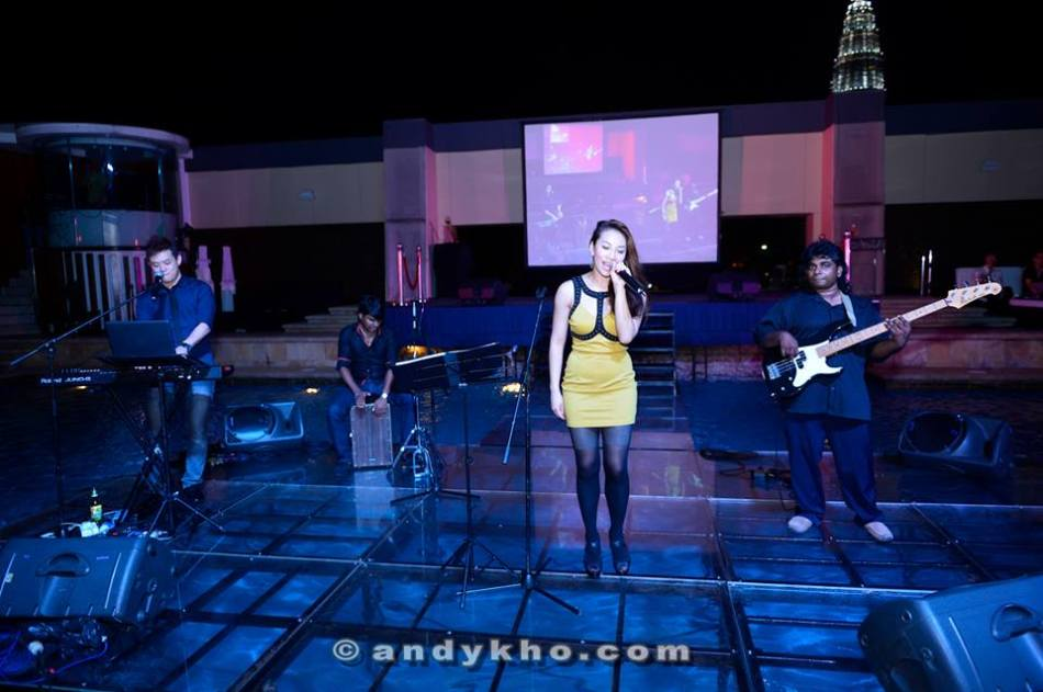 MHB's Sarah Low was performing with a jazz band and keeping the guests entertained