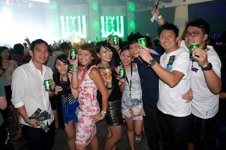 Singaporean party-goers enjoying themselves!