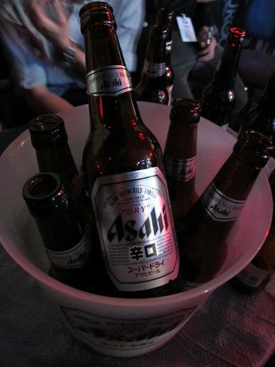 Lots of ice-cold Asahi Super Dry for us the whole night! But remember - always know you limits and drink responsibly!