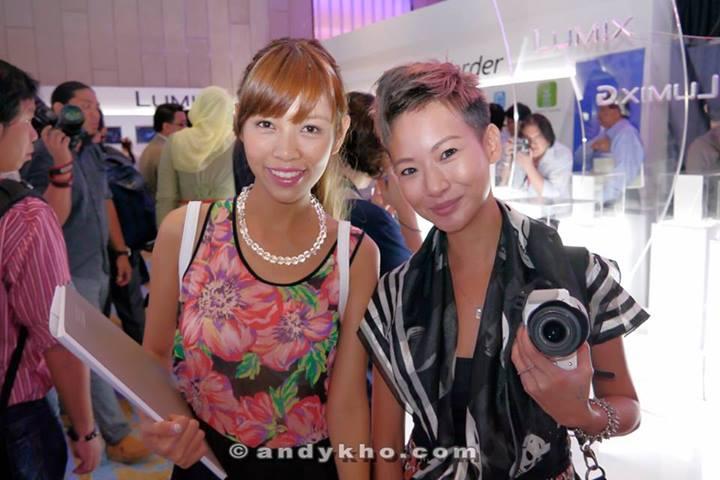 Bloggers Cheesie and Joyce the Fairy