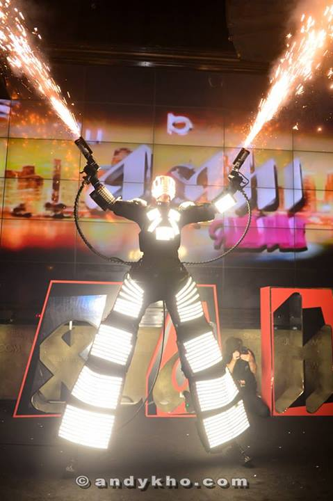 Towards the end of the night Kryoman donned his full robotic gear and amazed guests with his light and smoke display.