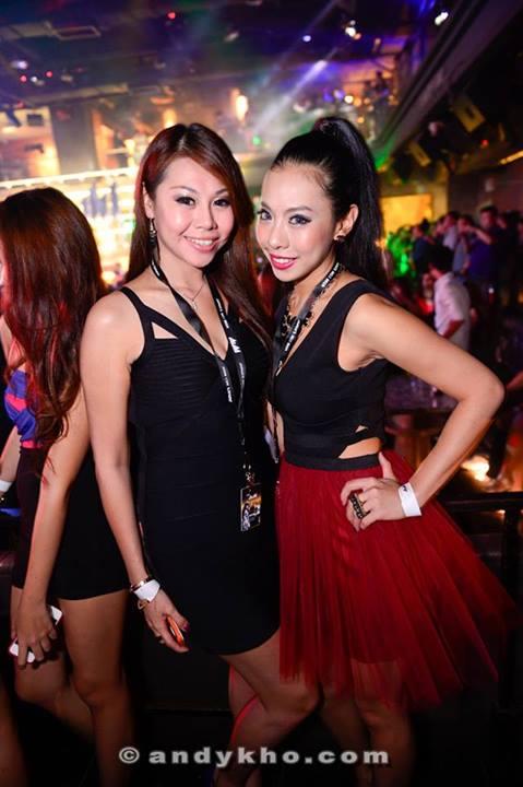 Spotted my fav pair of Penangite sisters - Evonne and Elene Ong
