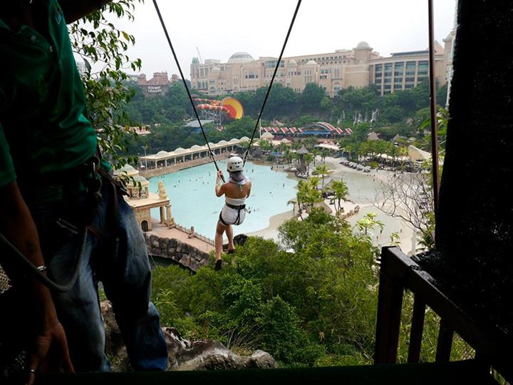 The Flying Fox ride was a hit among the daredevils among the participants with most enjoying the exhilirating ride and view of Sunway Lagoon while travessing one end of the Suft Pool to the other from 10 storeys up!