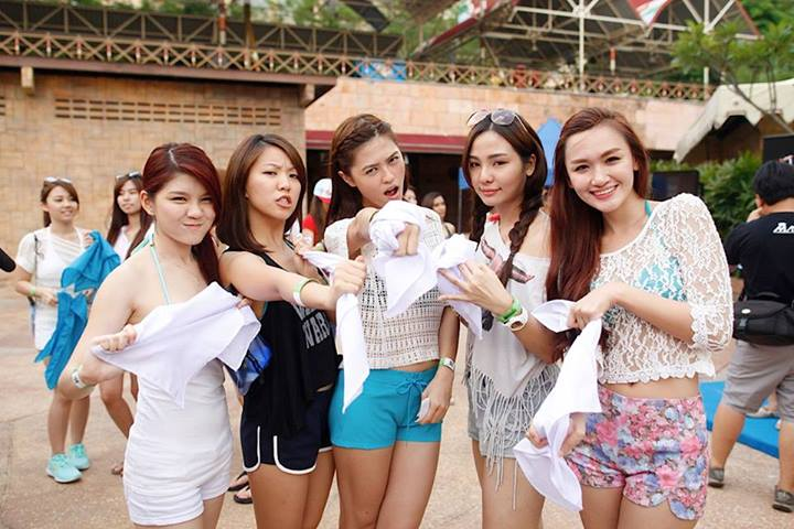 The White Team - Jxhia, Careen, Li Sha, Jenvine and Weena