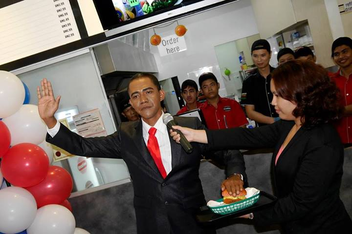 Woah looks like Barak Obama wants some Smashies Burger too!