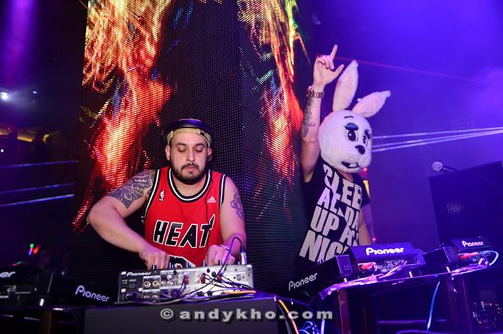 DJ Henrix soon took over and together with Kryoman (in the bunny head) really got the ccrowd worked up on the dancefloor as they played a set that was crowd pleasing and littlered with commercial numbers which drives Malaysian clubbers wild.