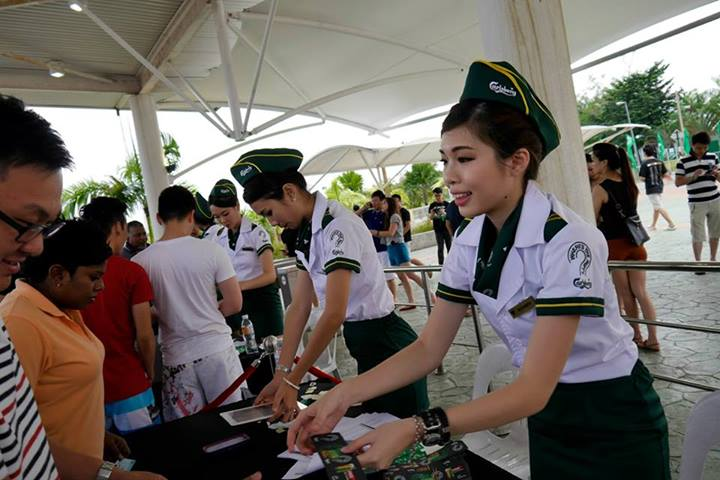 The pretty Carlsberg girls helping to register the guests. As always the bloggers from Malaysia's Hottest Bloggers and I were under media so we breezed through and quickly headed to the press conference