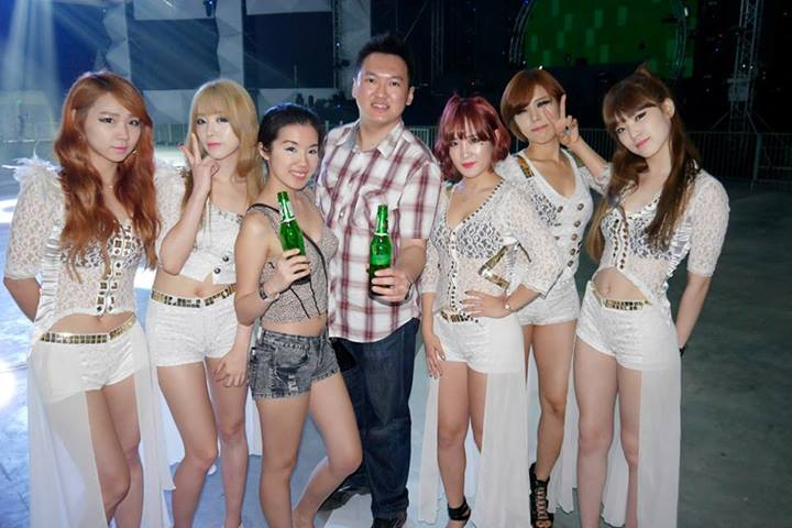 Jiayeen and I with Korean girl group Sweety!