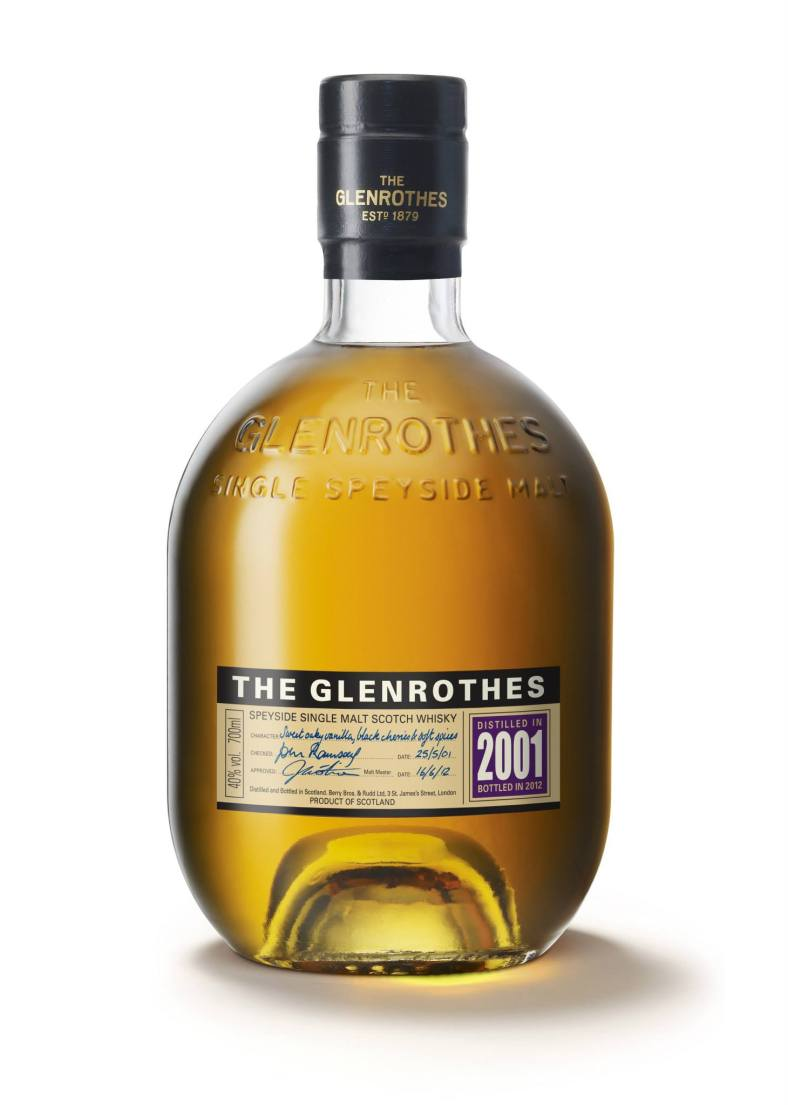 The Glenrothes Vintage 2001 has a rather golden, clear and bright appearance with a woody bouquet hinting of cherries (and apparently some can smell lemon meringue pie but not me). On the palate it tasted of oaky vanilla, and some pleasant and not overpowering spices (cream with grated nutmeg is also what some can taste). And lastly was the finish and for the 2001 was a rather sweet oaky vanilla with a little spiciness. This was a very very easy whisky to drink as it simply slid down your throat. Add in a dash of water and it opens up even more flavours (I found it slightly sweet).