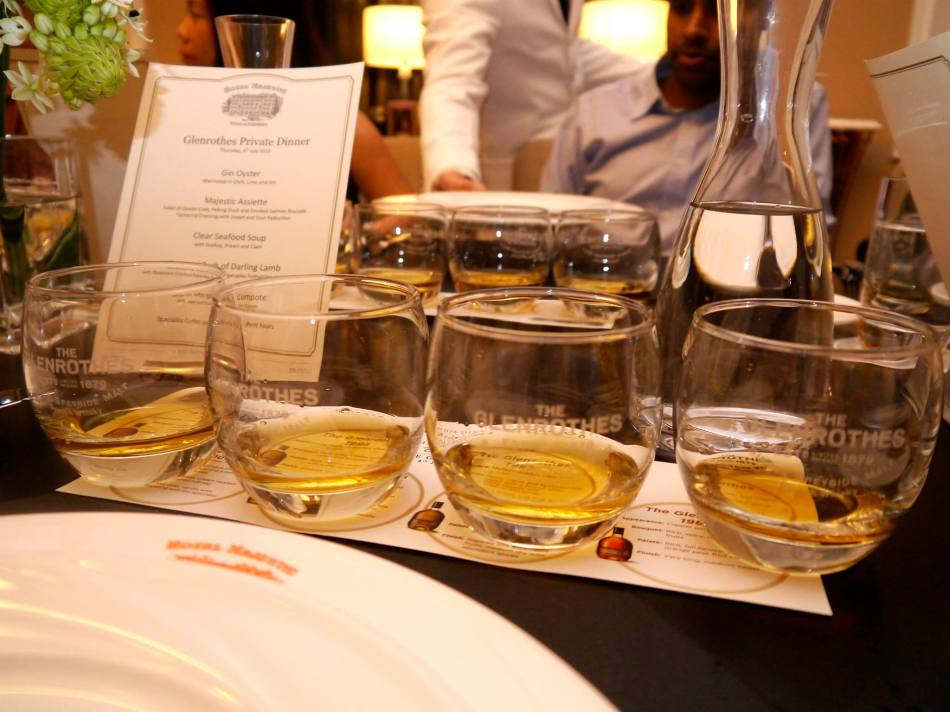 For us to try were four (4) Glenrothes vintages - 2001. 1998, 1995, 1988 (L-R). Ronnie taught us to look out for four (4) key attributes when tasting a whisky namely appearance, bouquet (or nose), palate (ie. taste), and the finish (the taste you get in your mouth after the whisky has gone down your throat). See the video at the bottom of this post where Ronnie teaches the techniques.