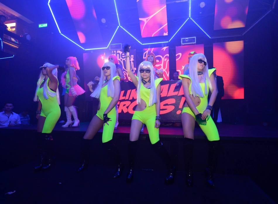 Sexy neon dancers!