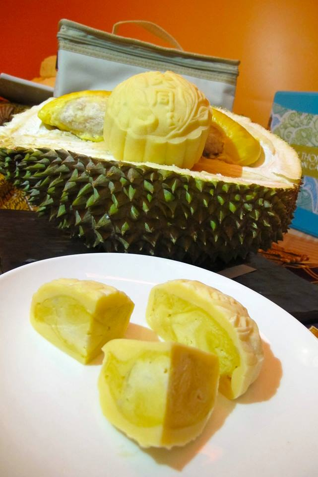 The star of the mooncake collection - Imperial Musang King Durian mooncake