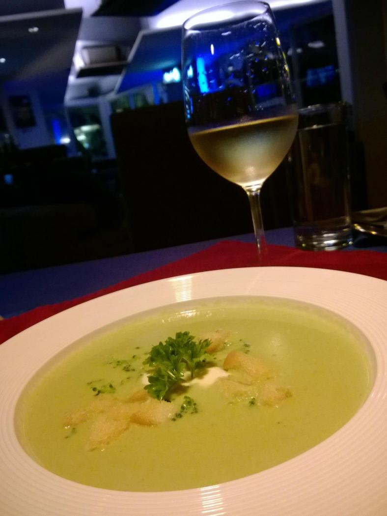 Cream of Broccoli soup - RM12.80++ - I found this one quite nice. Not too ruch and heavy as it had just a touch of cream and it's not a soup that is very common like mushroom or onion soup. There are garlic croutons inside to add to the texture and taste. A good start!
