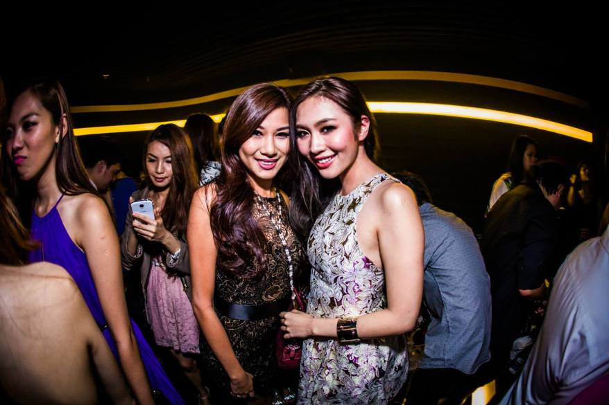 Miss World Malaysia 2012 Lee Yvonne with model L'Oreal Mok
