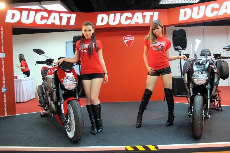 The Ducati Diavel Stripe (L) and Diavel Strada GP Edition (R)