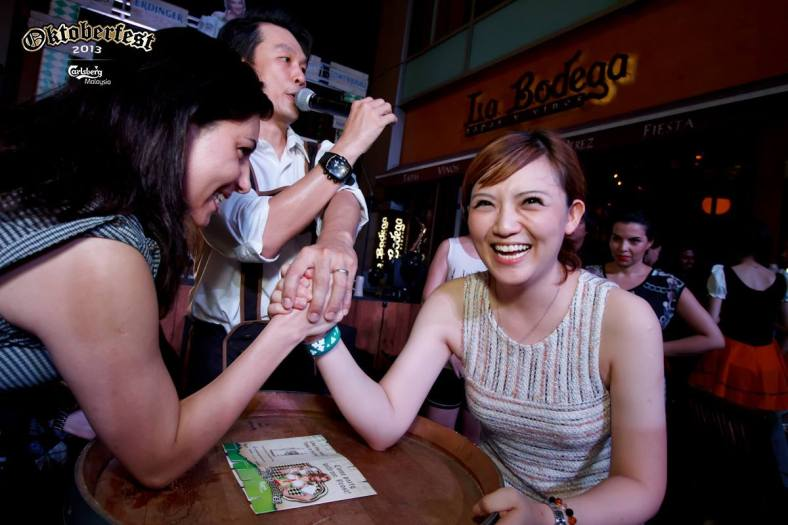 I was quite amused by the girls arm-wrestling hahaha!