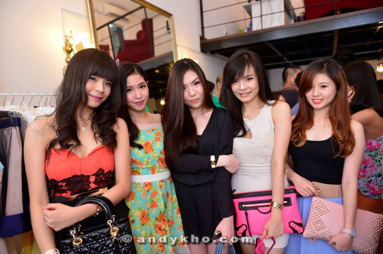 The place was teeming with pretty girls! Spot the twins!