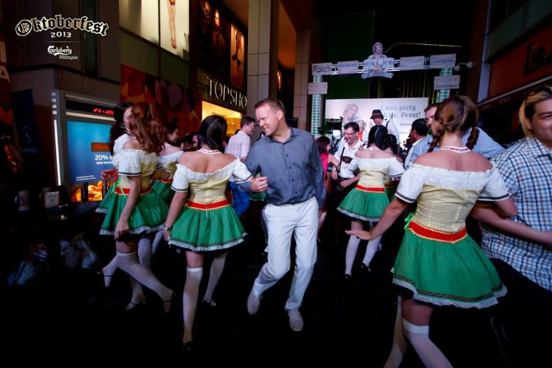Even Carlsberg Managing Director Henrik Andersen did the Chicken Dance!