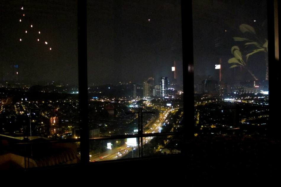 We opted for a table by the window which offered an awesome view of TTDI, Damansara Utama and beyond.