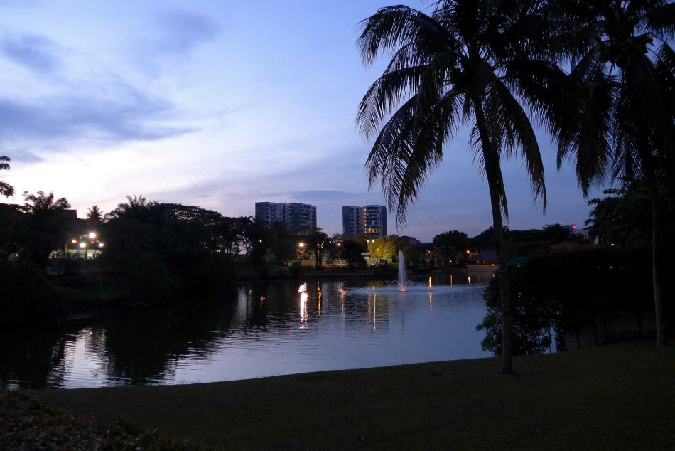 A view of the lake at the Saujana Club and Hotel. It was almost night but the camera's large aperture managed to capture the remaining light.