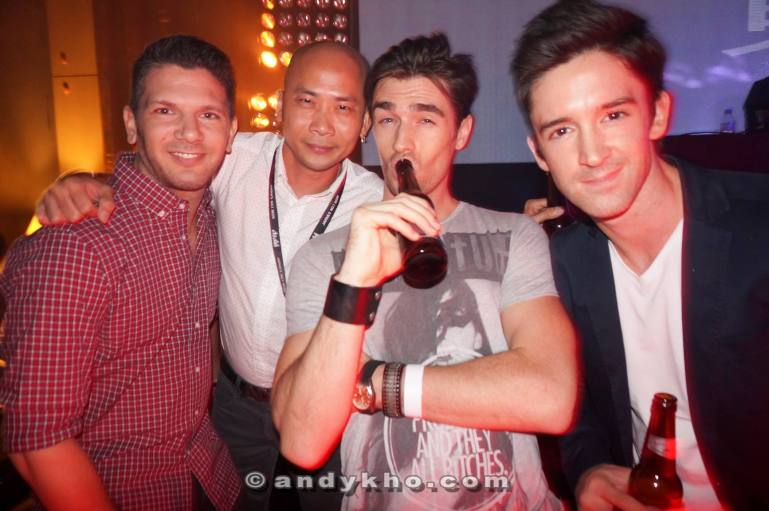 Here's a pic for you ladies - Andy Kho with DJ Bento, Carl Graham and their friend.