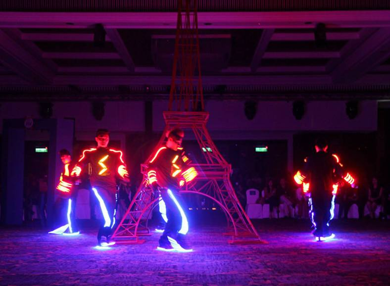 Elecoldshot provided some flashy entertainment with their LED dance!