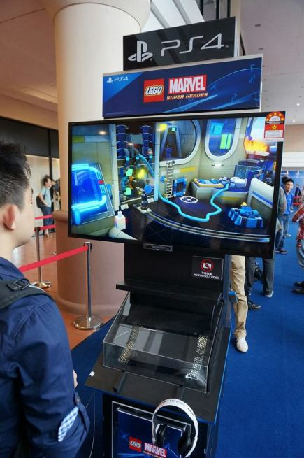 This was unbelivably cute...Lego Marvel Avengers!