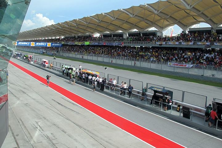 The grandstands were full!