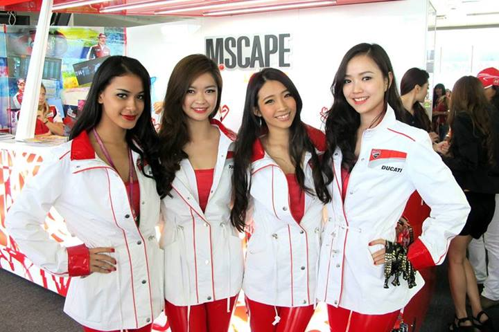 The pretty M-Scape hostesses