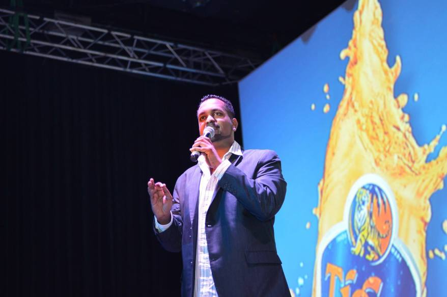 Comedian Andrew Netto kicked off the entertainment for the evening with a rib-tickling set.