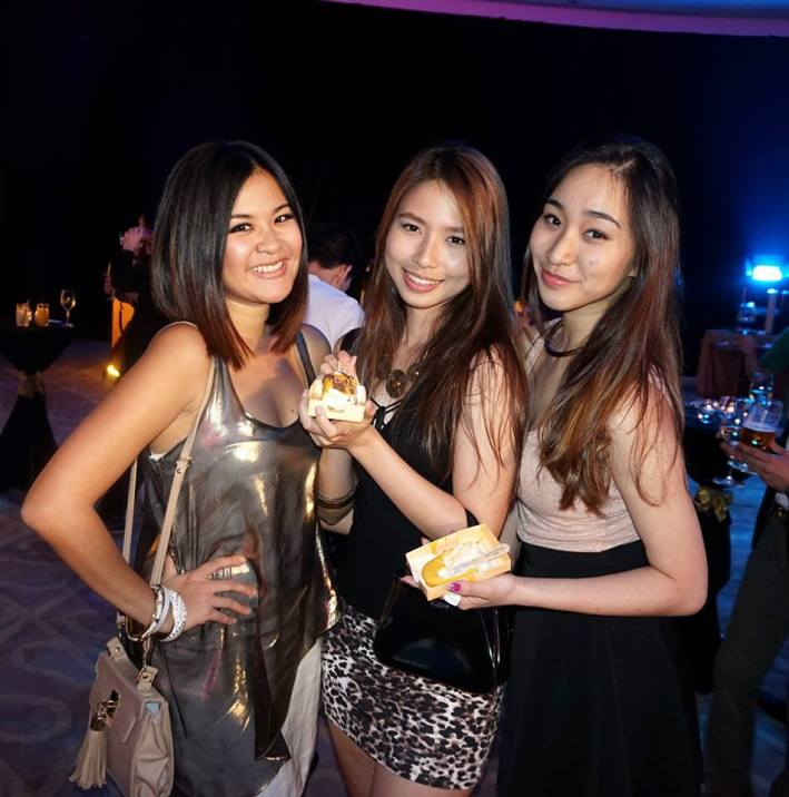 Red FM's Mynn Lee with the Th'ng sisters - Denise and Melissa