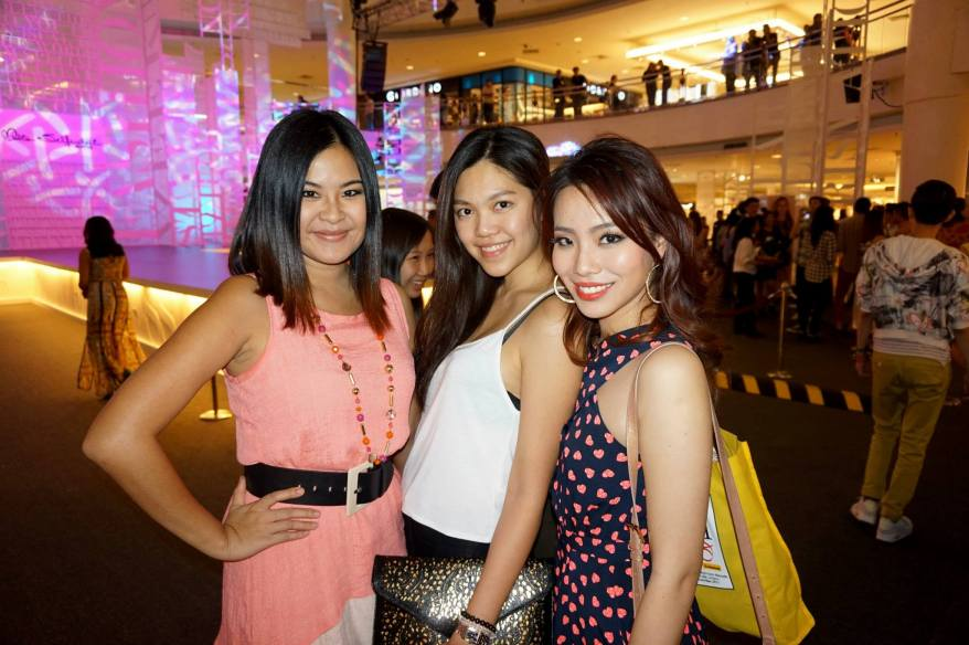 Mynn Lee again this time with the pretty Jun Yong and her friend