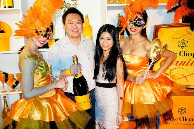 At the photowall with Elaine and the Veuve Clicquot girls