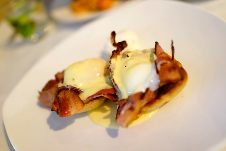 Benedict - RM18.00 Poached Eggs, Smokey bacon, béarnaise, house made chutney. I loved this dish a lot! Poached eggs topped with bearnaise sauce over a ton of bacon which was over toast. Just lovely!