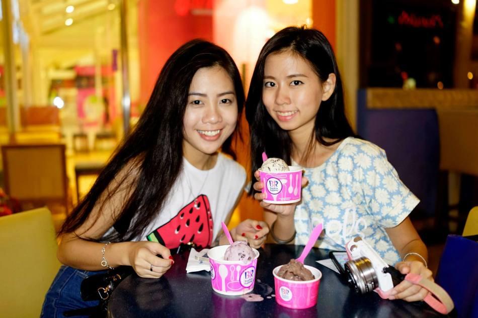 Girls + ice cream = happy!