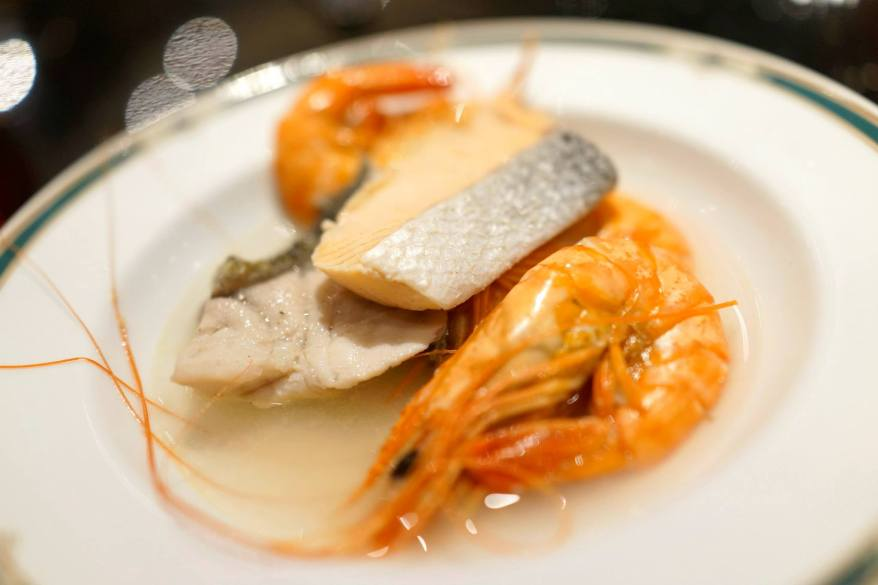 Poached Seafood - a great option for those who are very health conscious and it actually tasted quite ok especially when eaten with some soya sauce and cili padi!