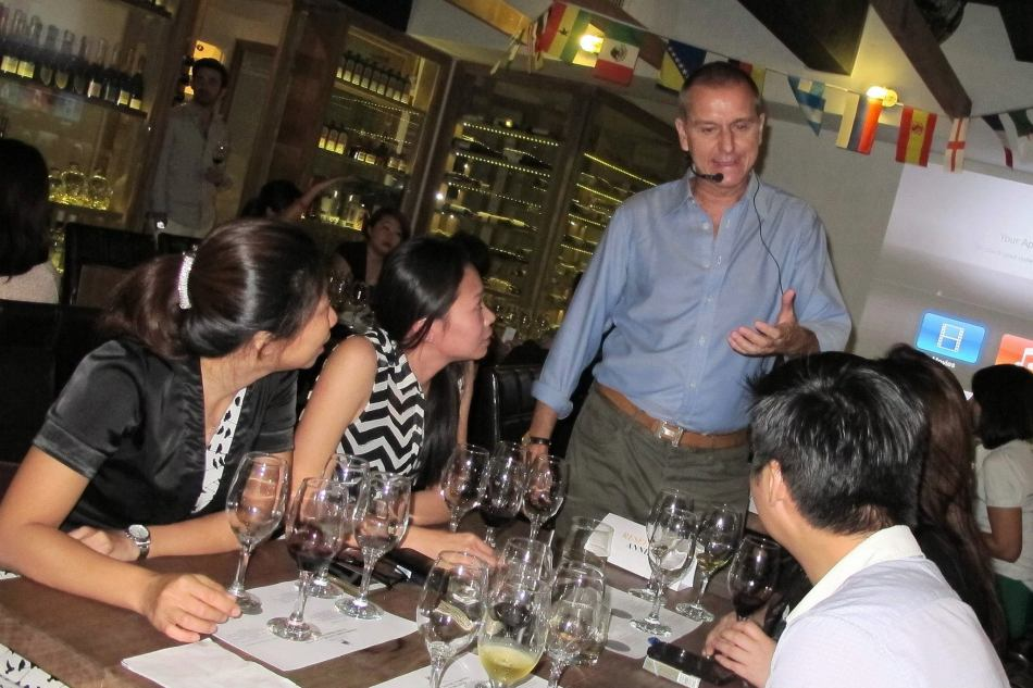 The tasting was facilitated by Jorge Padilla from Iconic Wines Malaysia (who hails from Spain) who led guests through the tasting including the notes of the wines as well as some insight into the region that the wines originated from