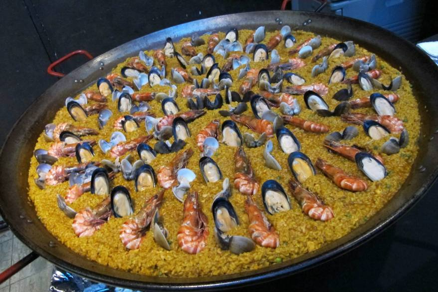 One massive paella!